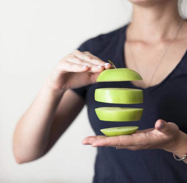 floating-fruit-apples