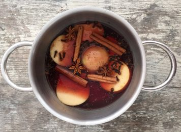 'Tis The Season: Mulled Rosé